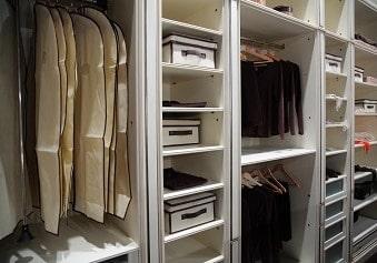 garderobeskab på tilbud